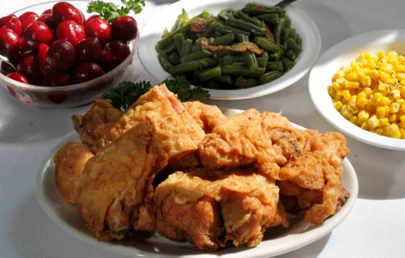 Hollyhock Hill's signature dish...fried chicken.