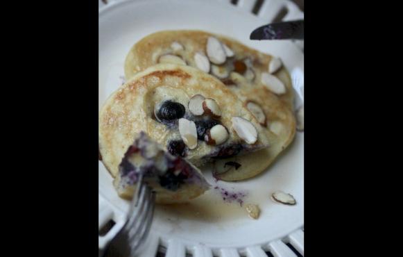 Gluten-Free Blueberry Almond Pancakes