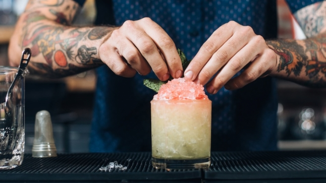 Cocktail snowcone with gin and beer